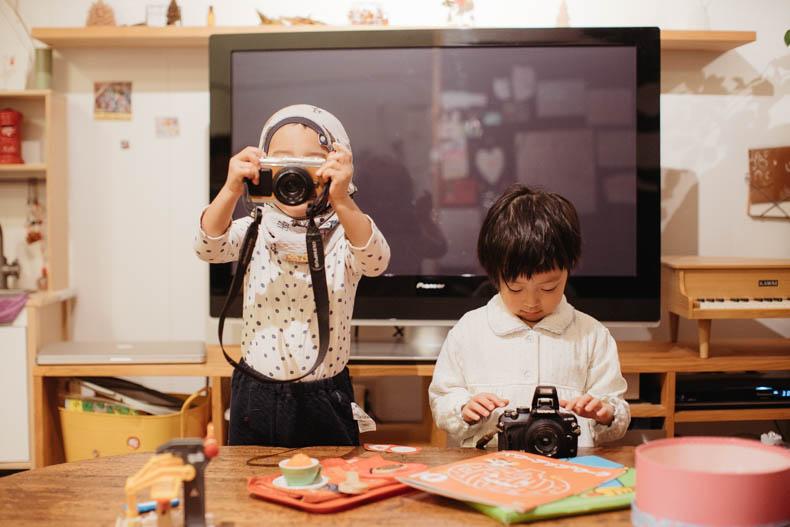 0111blog 10 - カメラで撮影していくヒカリとキョ