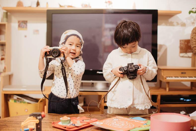 0111blog 14 - カメラで撮影していくヒカリとキョ