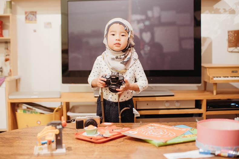 0111blog 7 - カメラで撮影していくヒカリとキョ