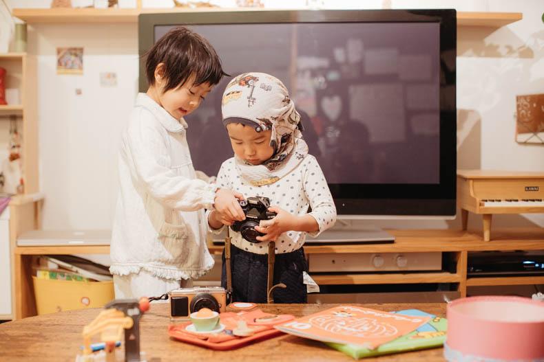 0111blog 8 - カメラで撮影していくヒカリとキョ