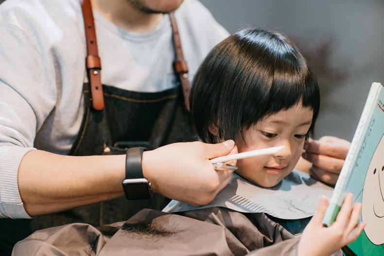 20180314  DSC8305 - ヒカリ髪を切る